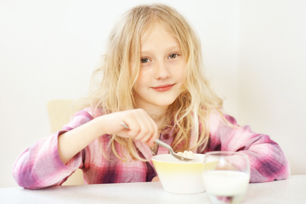 little-girl-eating-oatmeal